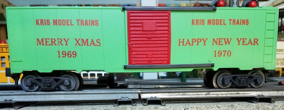 Kris Model Trains 1969 - 70 green holiday boxcar with red doors