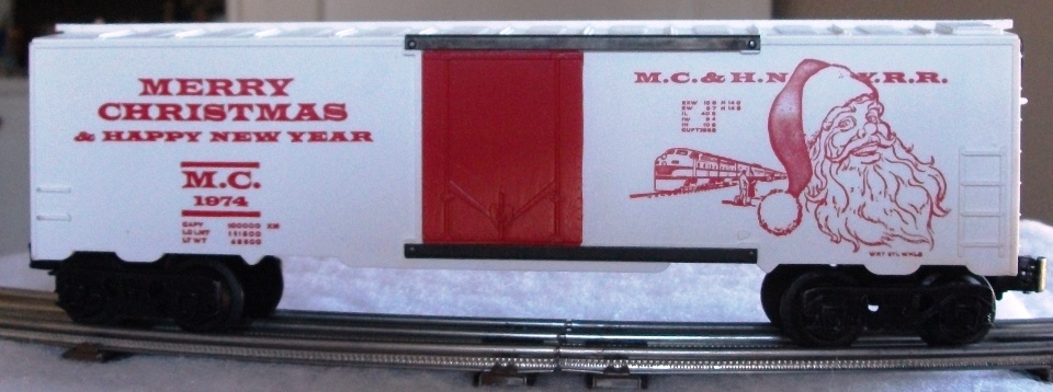 Kris 1974 white holiday boxcar with red doors