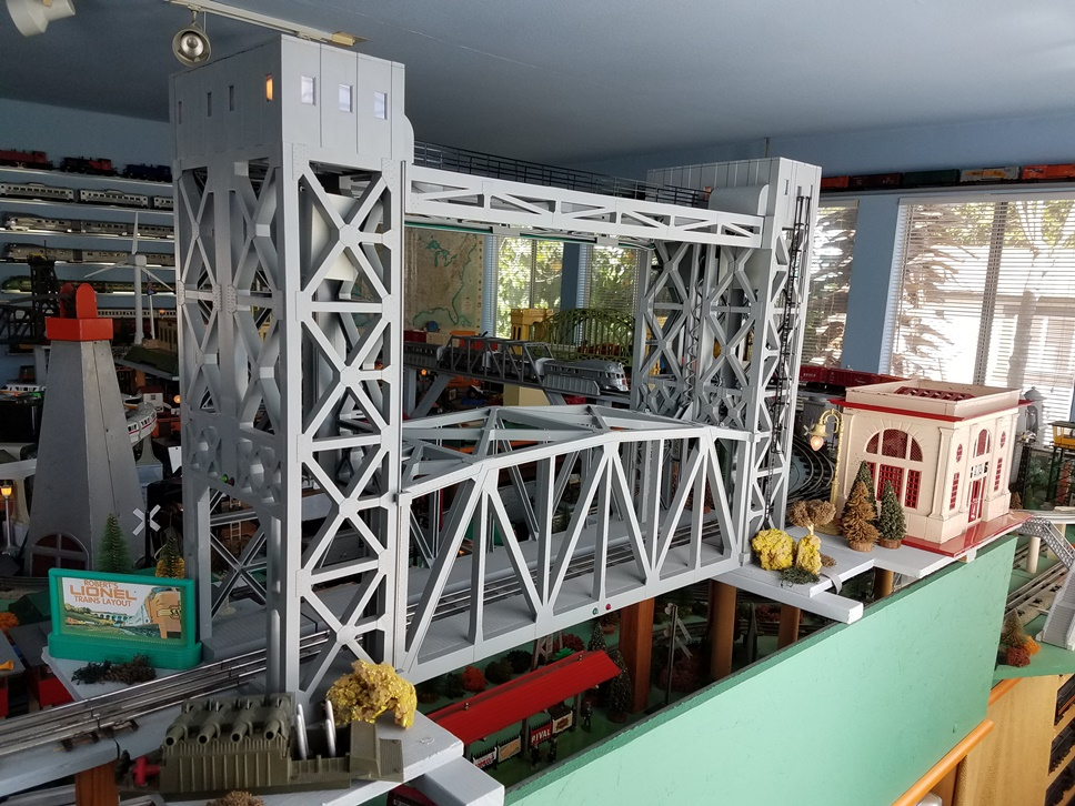 Lionel # 12782 Operating Lift Bridge
