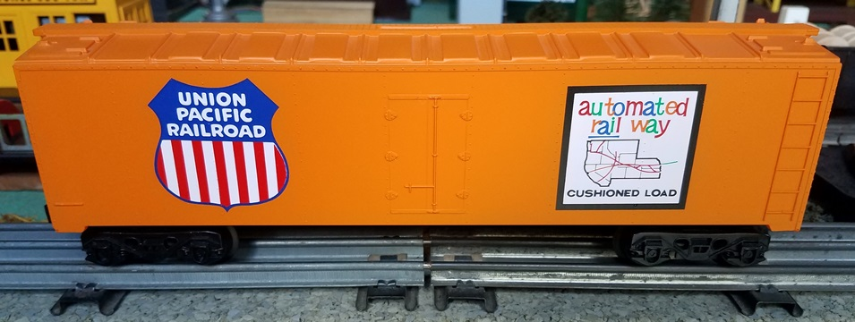 Kris Union Pacific orange bank car